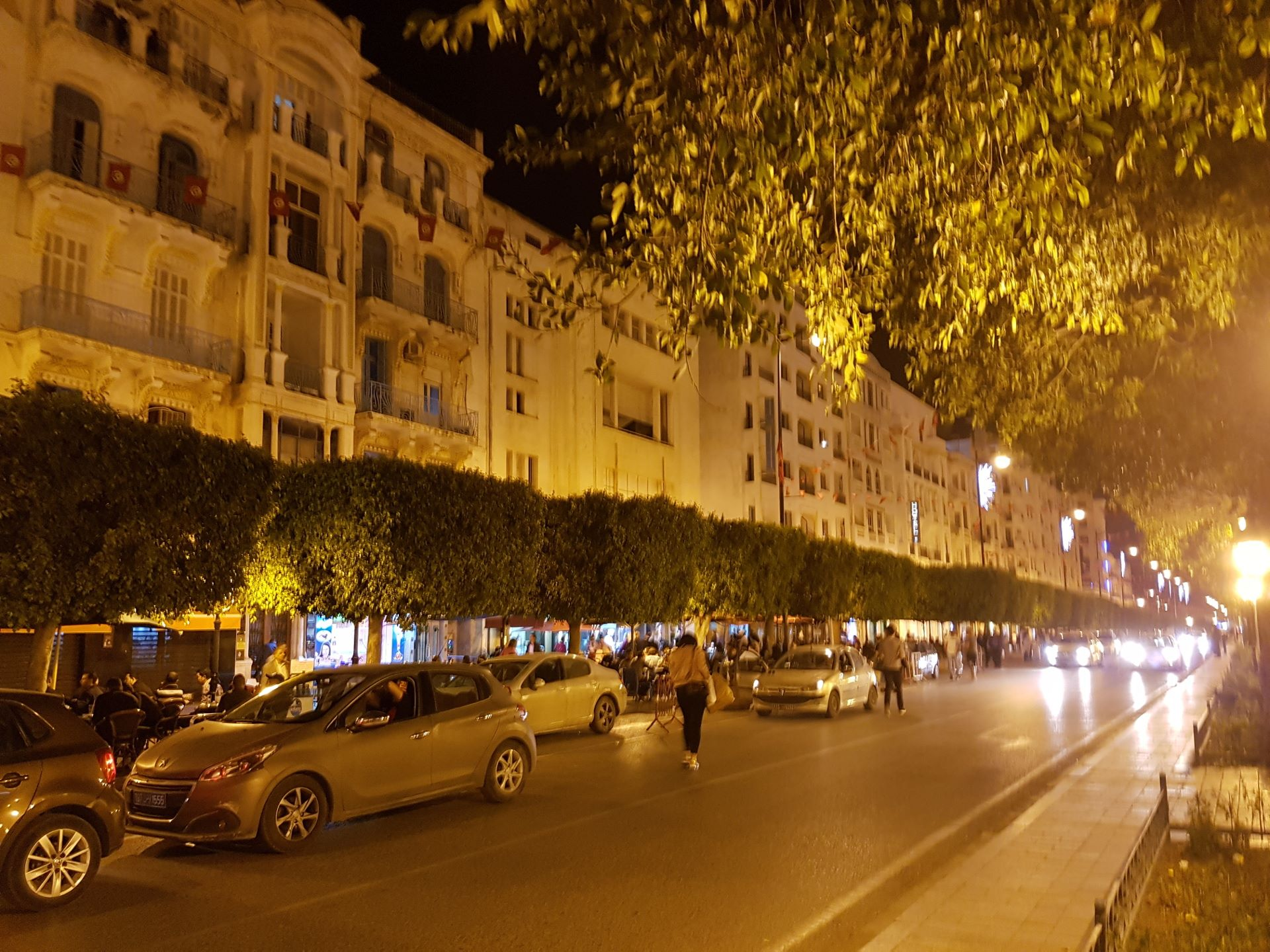 Tunis, abendliche Avenue de France