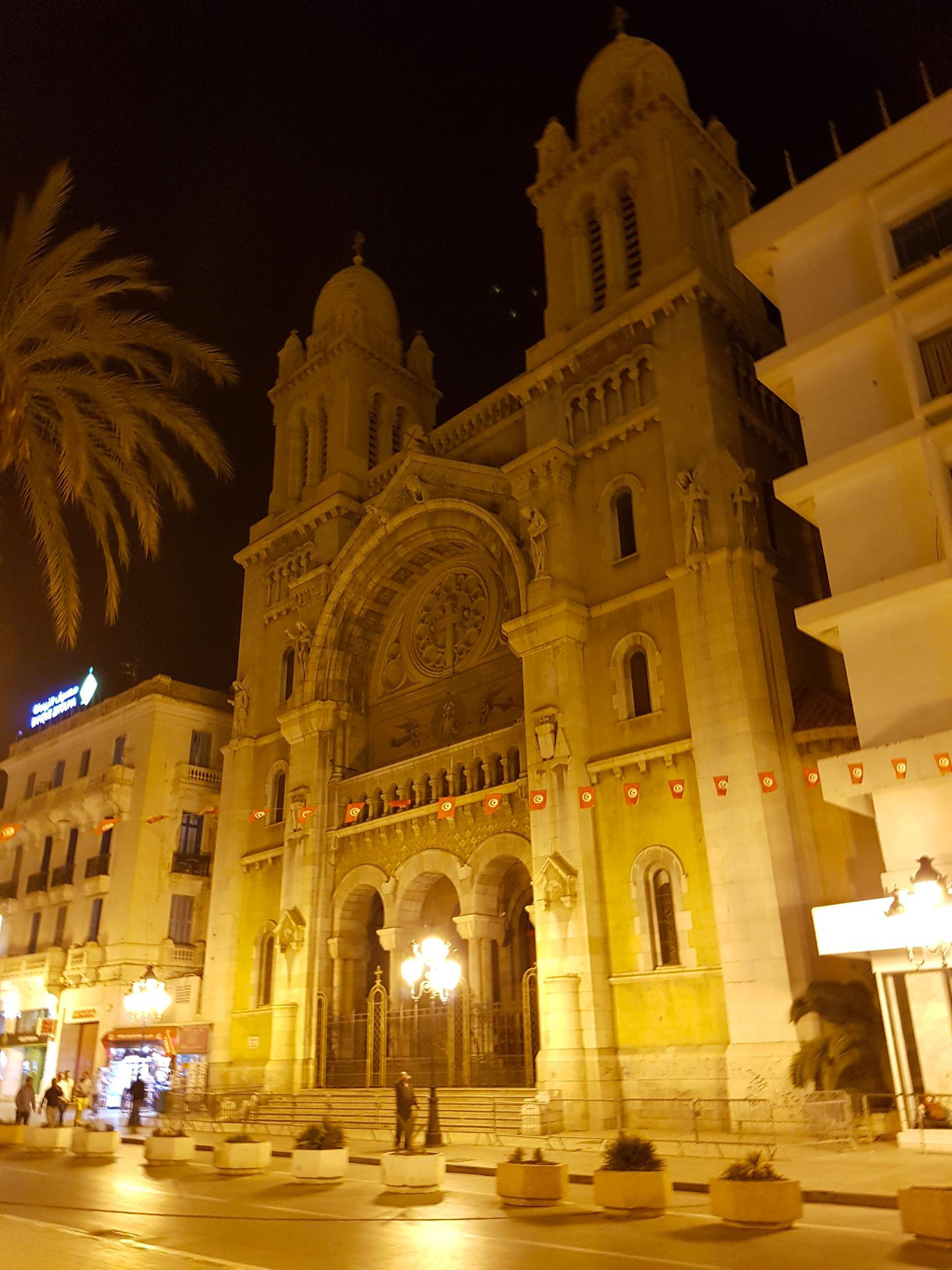 Tunis, Kathedrale in der Avenue Habib Bourguiba